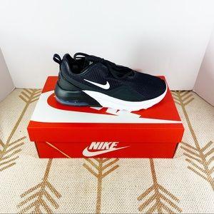 Nike Airmax Motion 2 black and white
